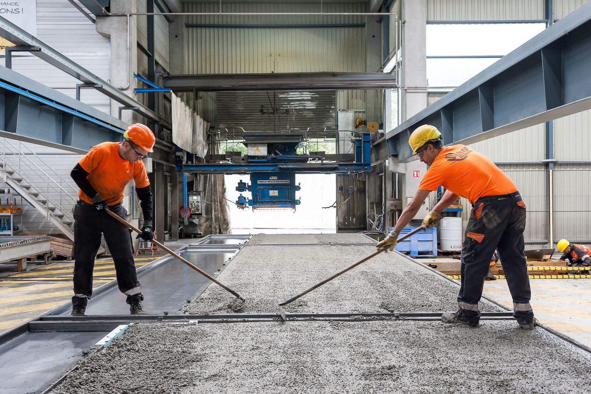Coueron (44) : fabrication de dalles et poutres en béton à l'usine Rector